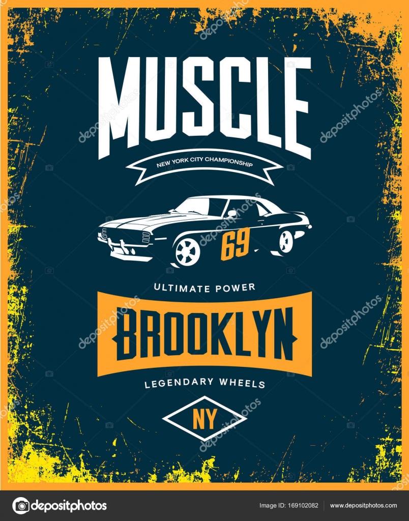 9836f0258 Vintage muscle car vector tee-shirt logo isolated on dark. — Stock Vector