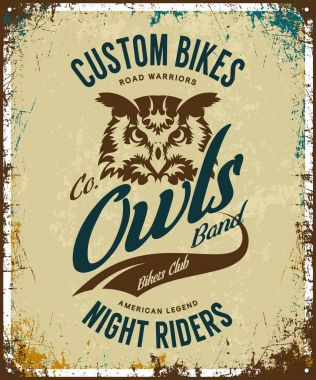 Vintage bikers club t-shirt vector logo on light background.Premium quality owl bird night rider logotype tee-shirt emblem illustration. Custom bikes street wear superior retro tee print design.
