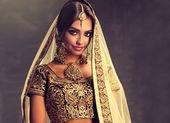 Hindu-Frauenmodel mit Kundan-Schmuck