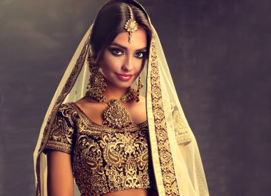 hindu woman model  with kundan jewelry