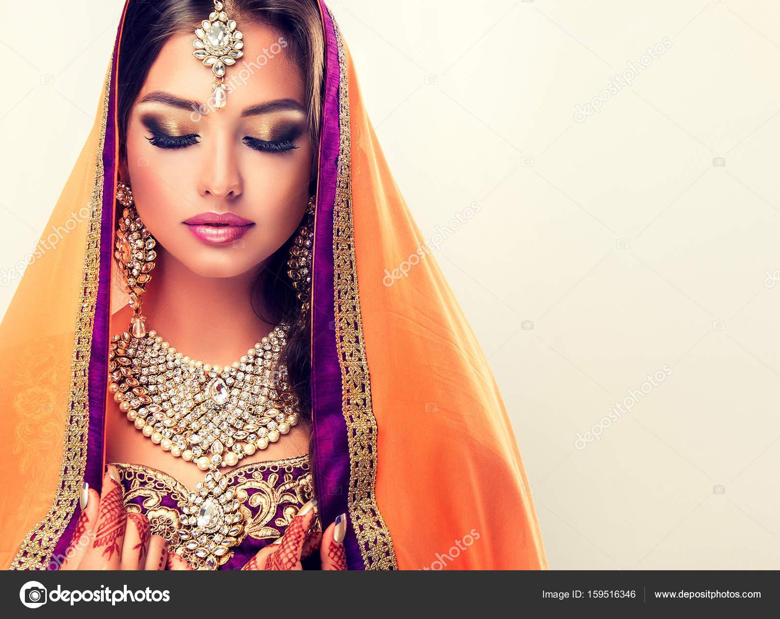 Фото с красивыми индийскими девушками
