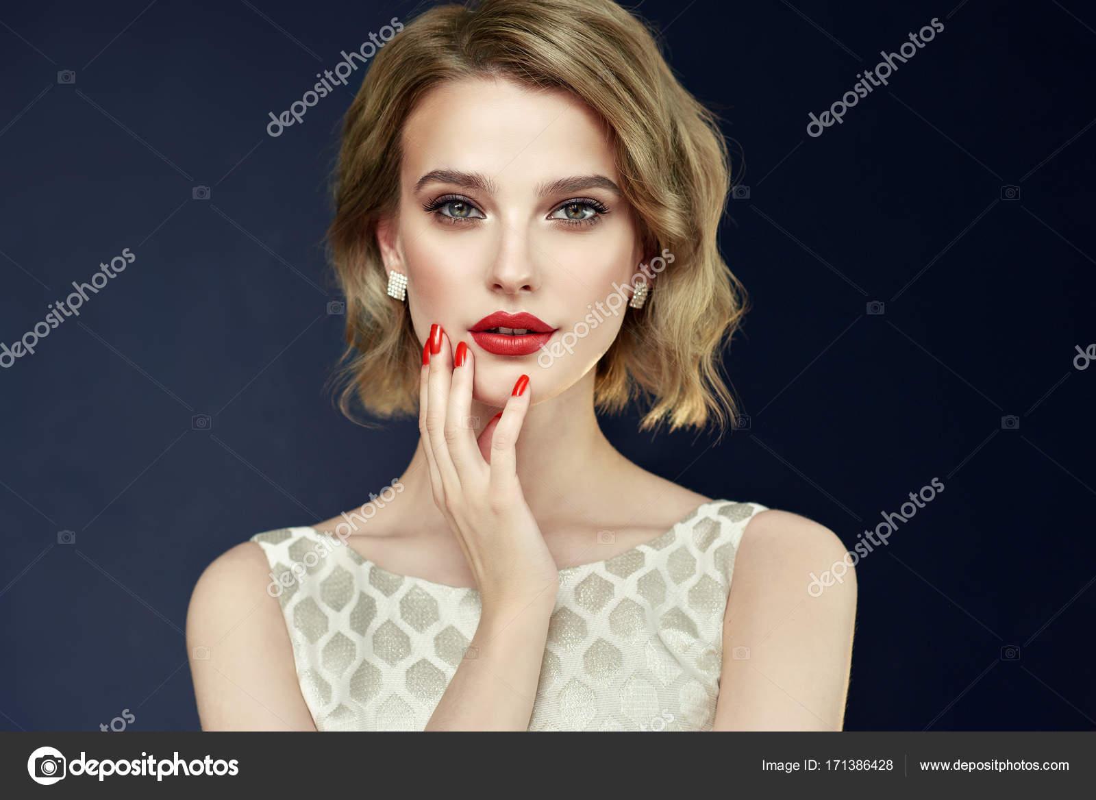 Girl With Short Wavy Hair Stock Photo C Sofia Zhuravets 171386428