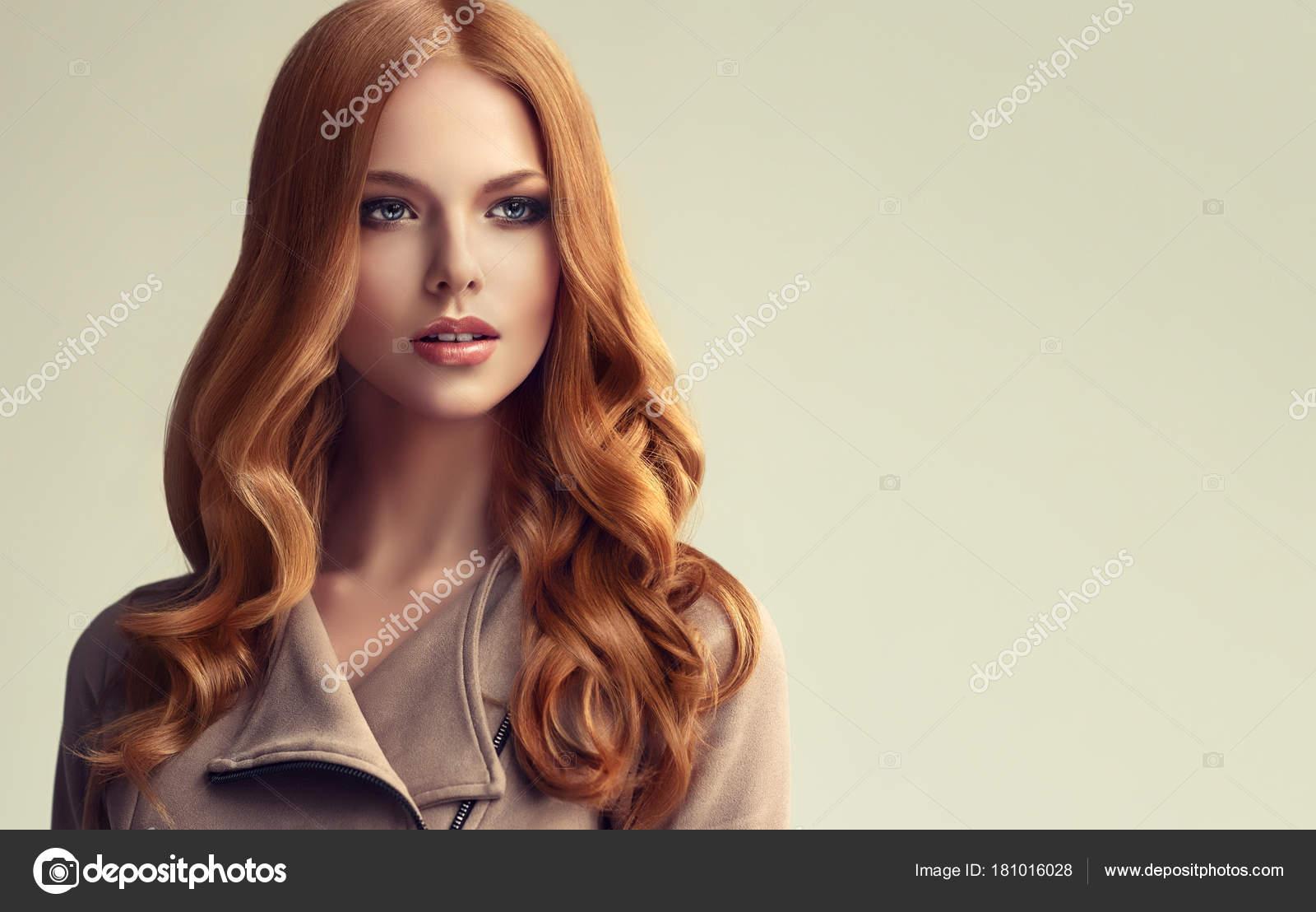 Red Hair Girl Long Shiny Curly Hair Beautiful Model Woman — Stock Photo