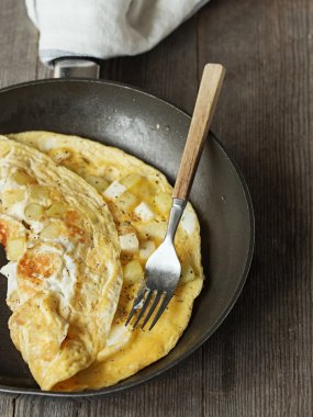Potato and Cheese Omelet