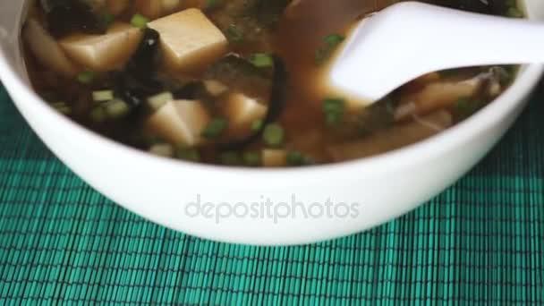 Sledování snímku miso polévky