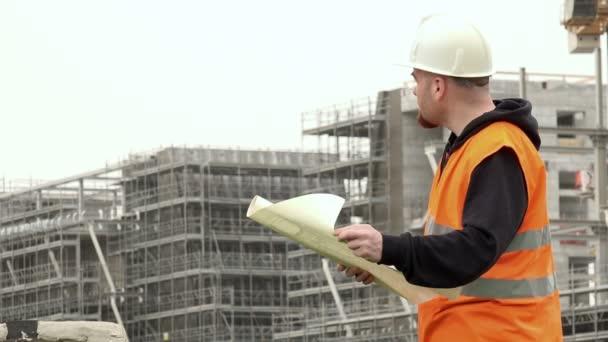 inženýr na staveništi