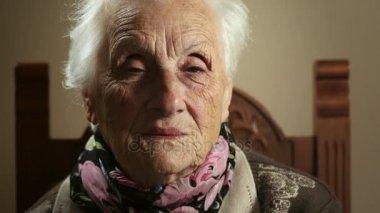 Бабушка старая видео фото 706-463
