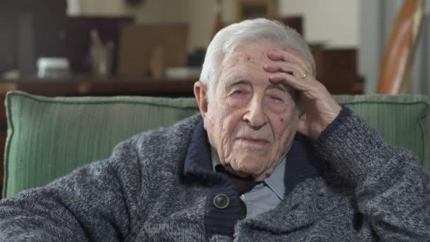 Portrét starého muže: Detailní portrét na Thougtful starého muže