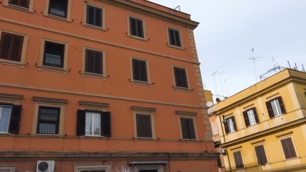 nádherný pohled na Řím San Lorenzo, historické čtvrti Říma, Itálie