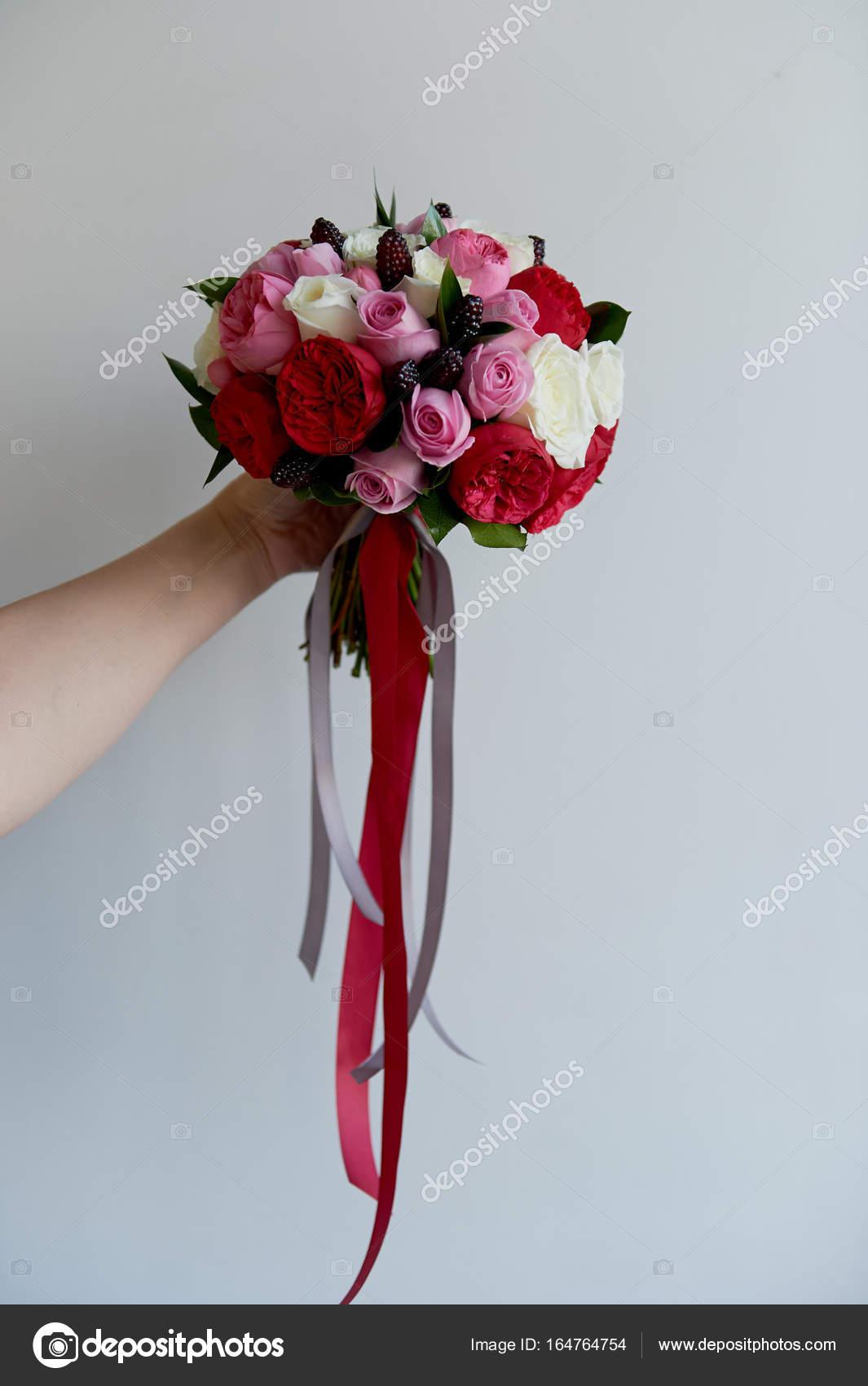 662e25b84103 Νυφική ανθοδέσμη γάμου σε κόκκινο