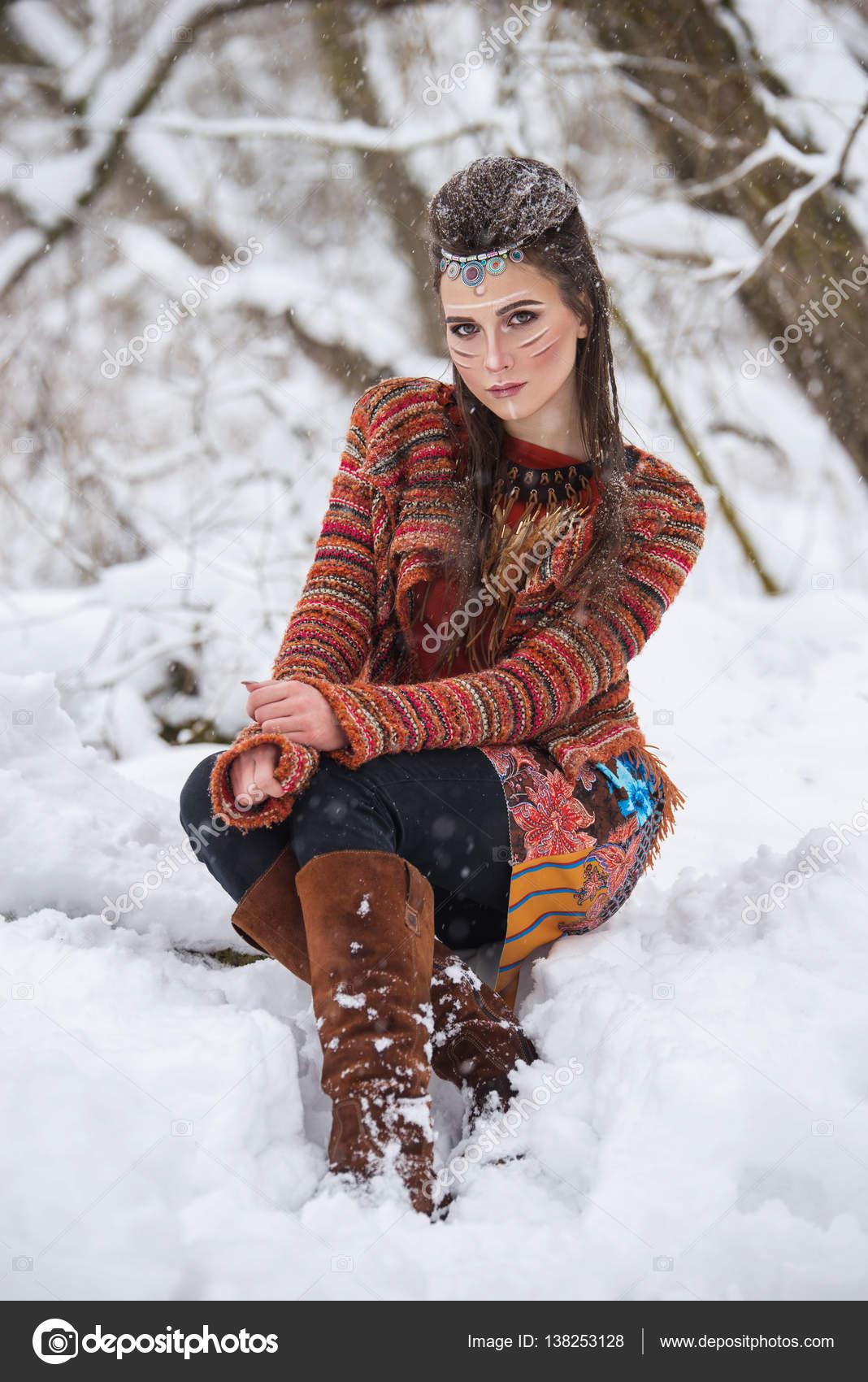 Portrait D Une Femme Indienne Indigene Traditionnel Maquillage Et