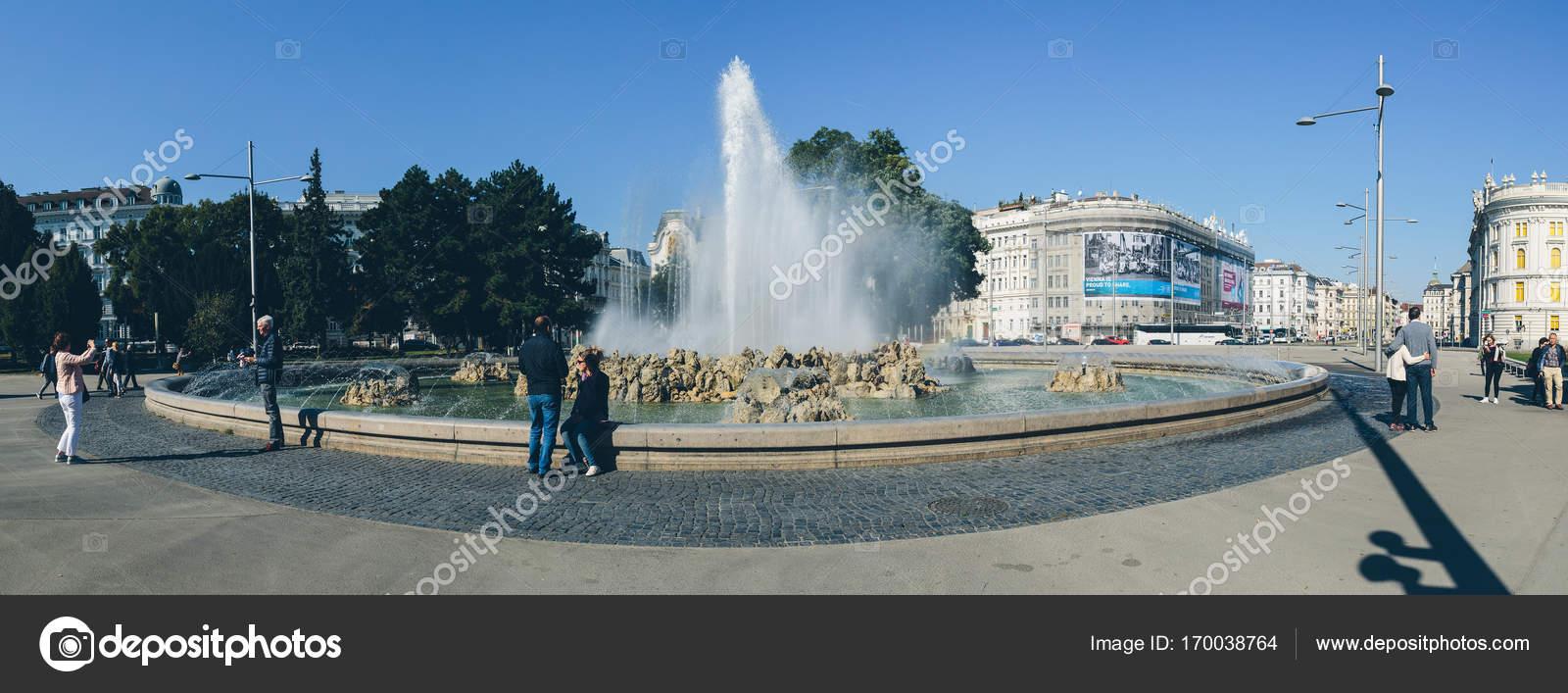 Schwarzenbergplatz In Wien Redaktionelles Stockfoto Fcerez