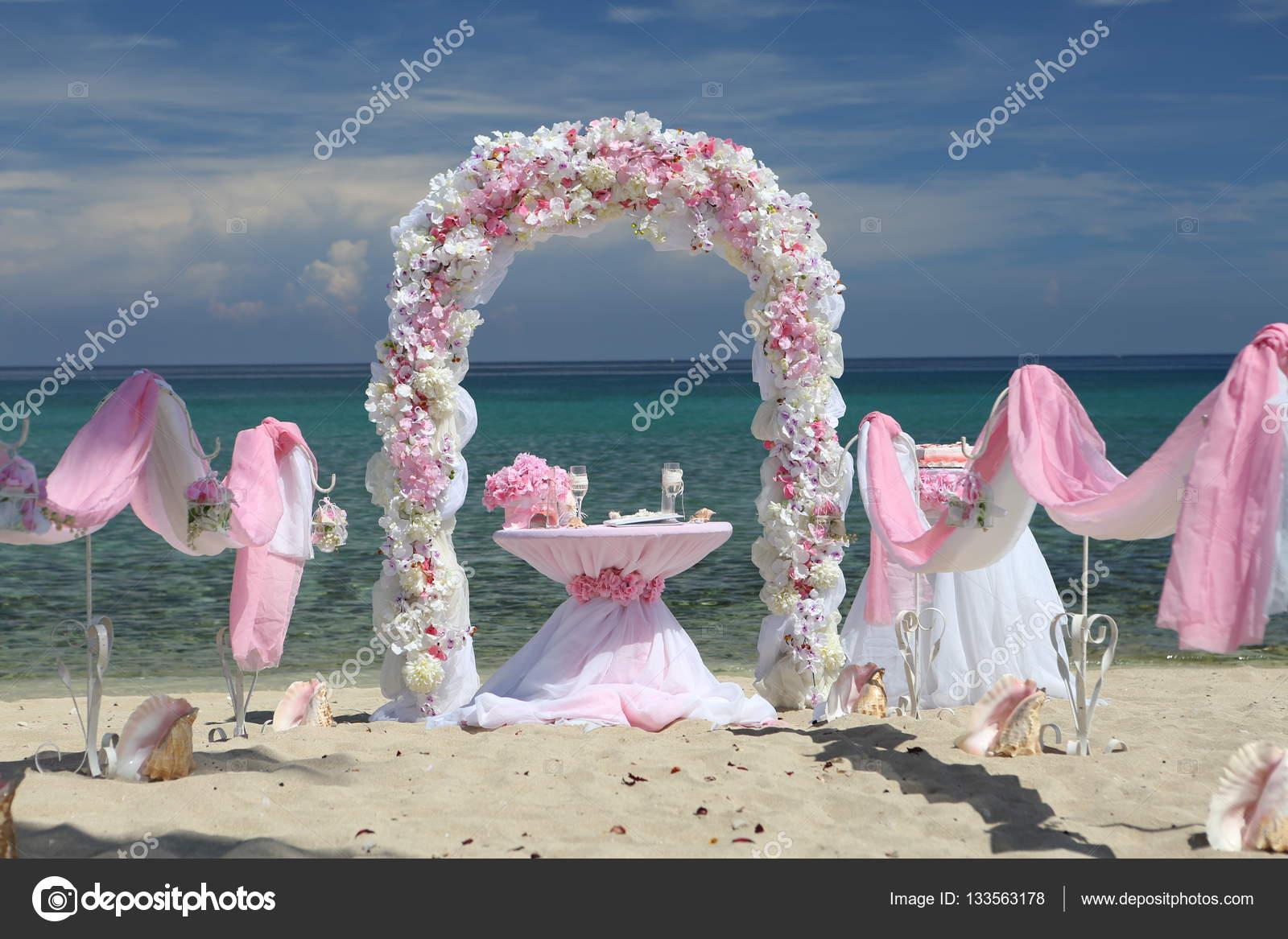 Matrimonio Spiaggia Decorazioni : Decorazioni per un matrimonio in spiaggia u foto stock
