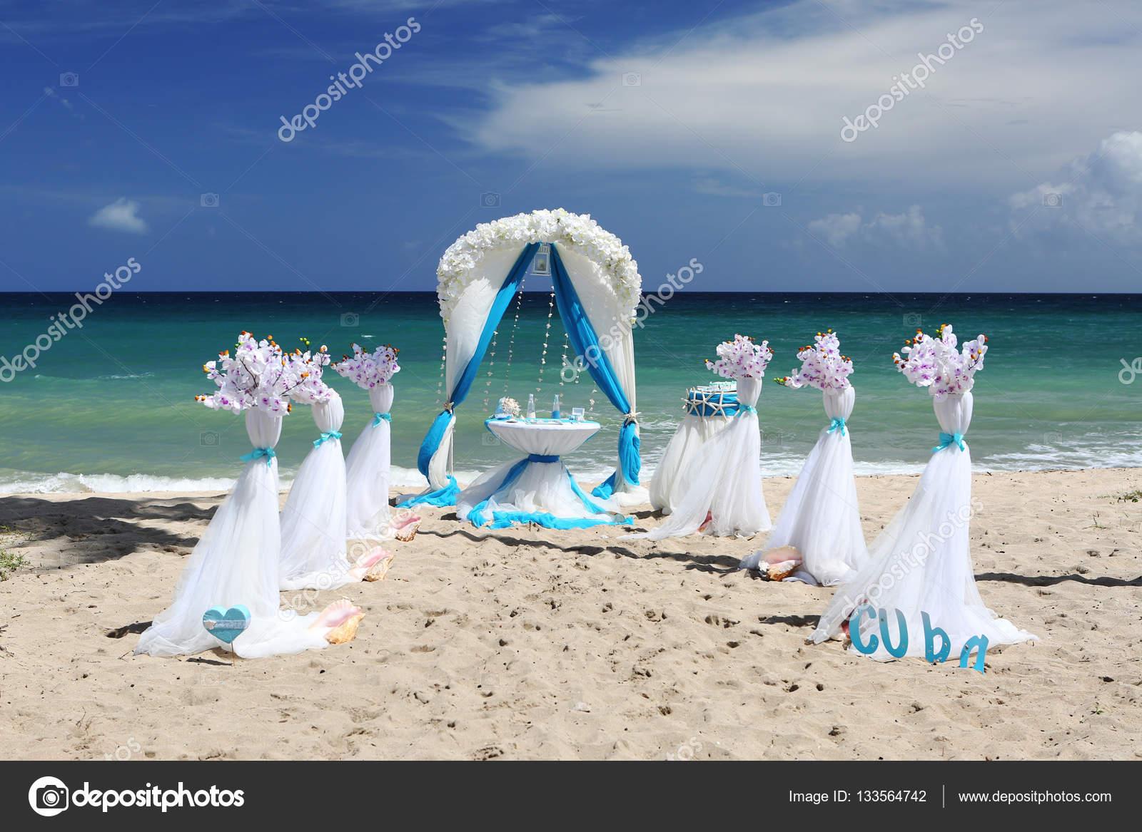 Dekoration Fur Eine Hochzeit Am Strand Stockfoto C Simonovstas