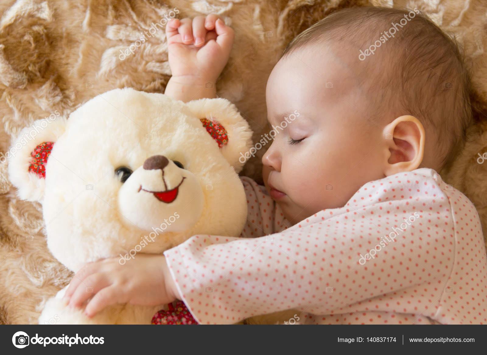 peluche bebe dormir