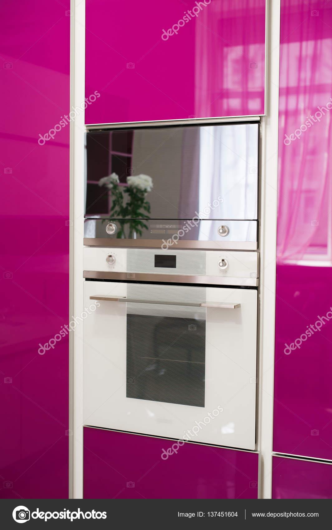 Detail der modernen rosa Küche — Stockfoto © dashakiseleva91.gmail ...