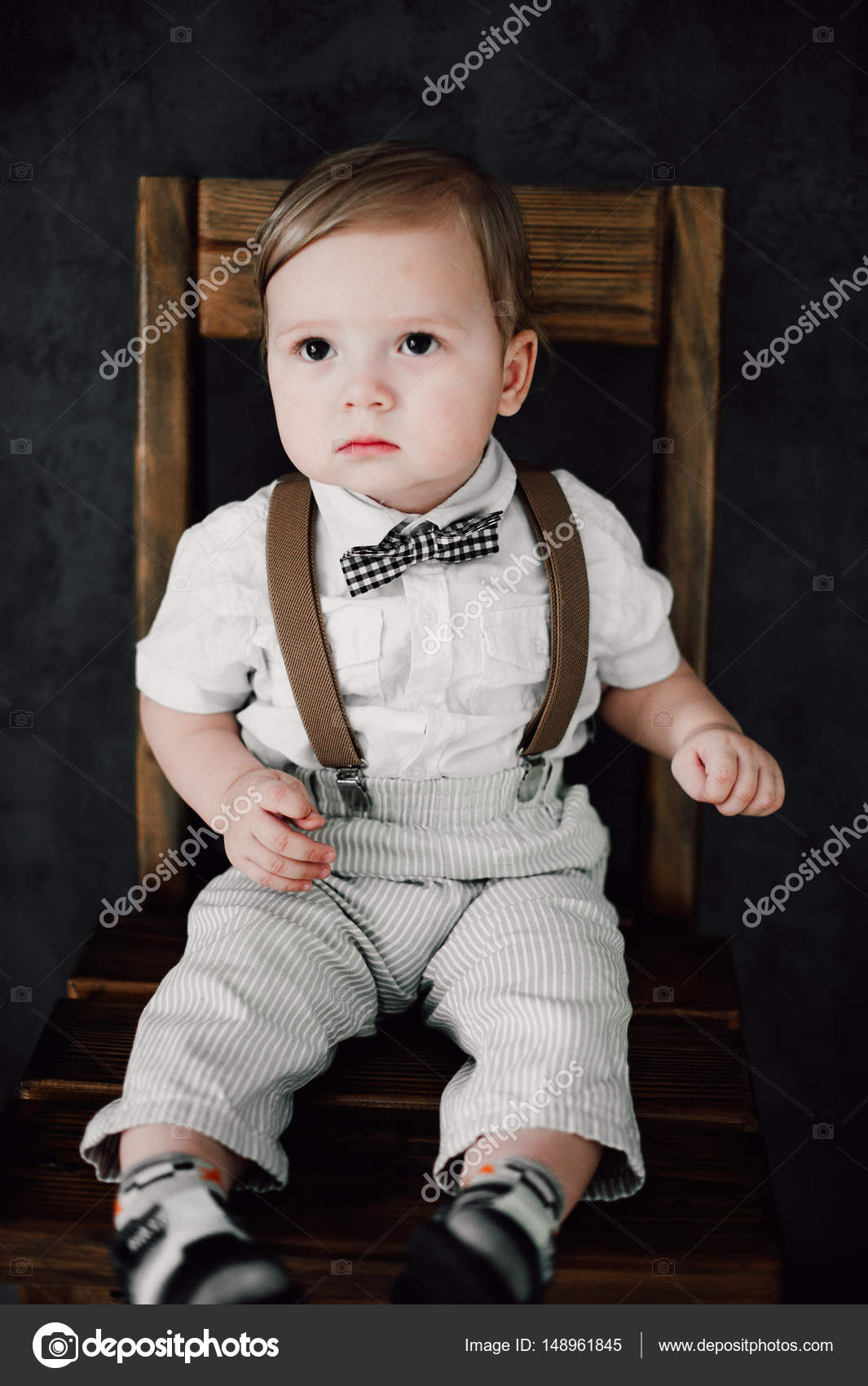 Zwei Babys Hochzeit Junge Gekleidet Als Brautigam Kleiner