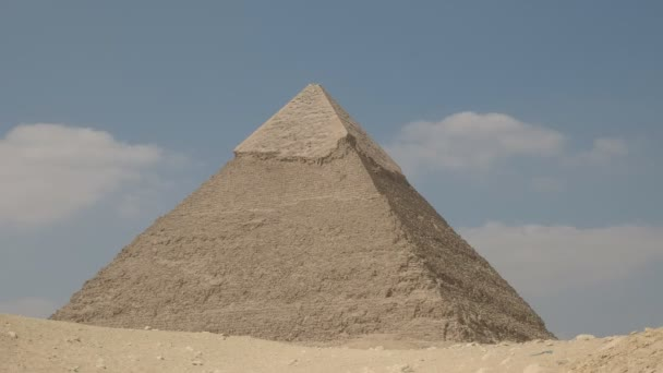 the pyramid of khafre in cairo, egypt