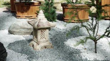 Het ontwerp van het landschap decoratie voor de tuin de steen