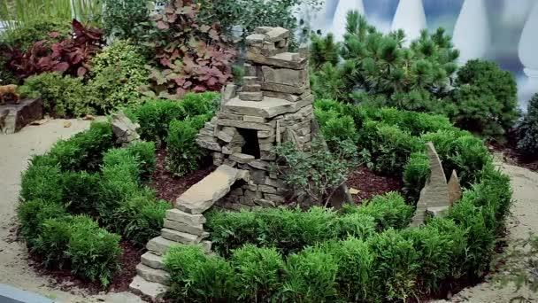 Het ontwerp van het landschap. decoratie voor de tuin. de steen