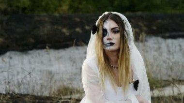 con dark l'immagine abito ragazza in della sposa haired Bella morta wHtTPpqxx