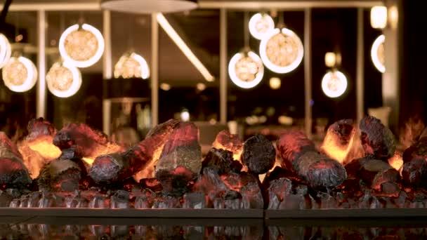 Warme Gezellige Woonkamer : Interieur van de woonkamer close up shot van warme gezellige vuur