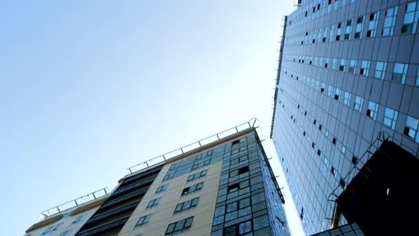 Městská krajina Moskvy. Exteriér mrakodrapu. Panorama moderních výškových budov. HD