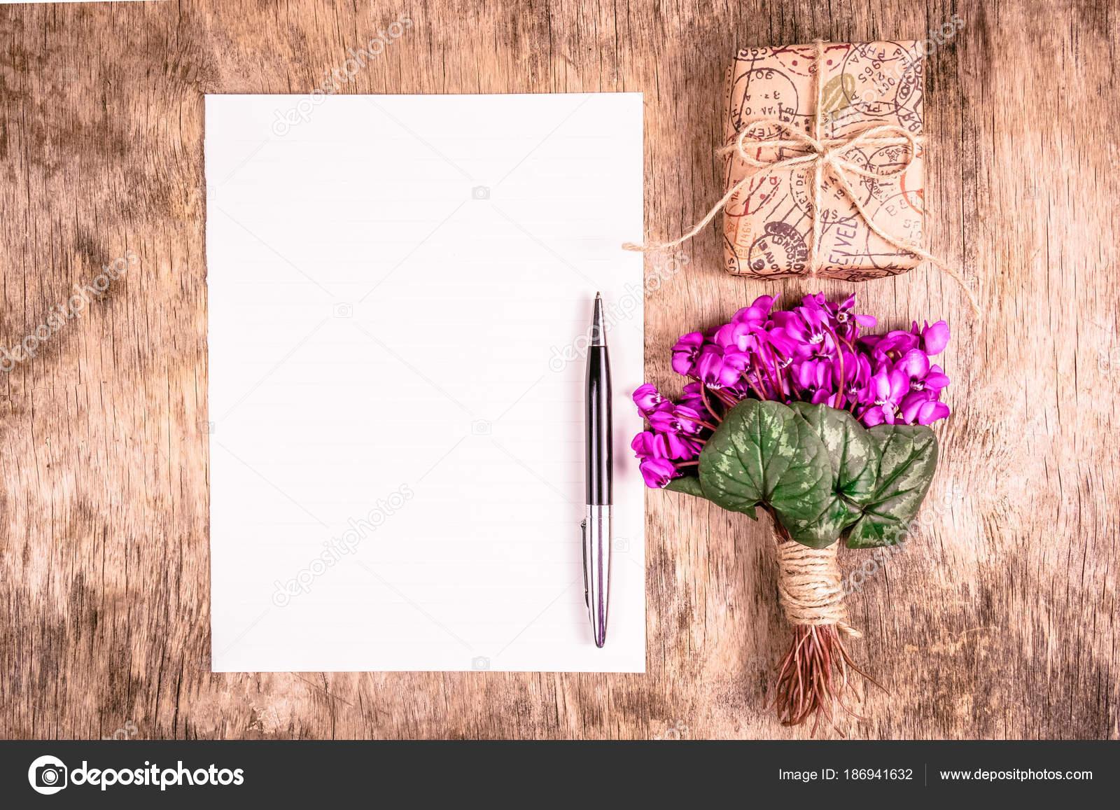 Blank Sheet Paper Pen Bouquet Spring Flowers Gift Box Romantic ...