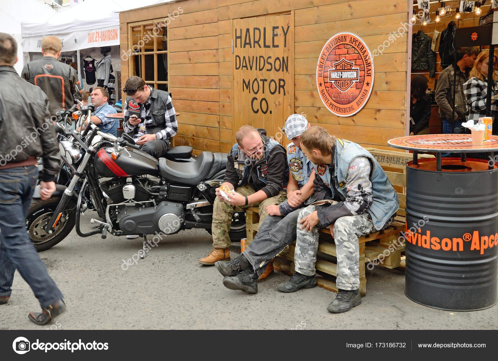 Harley Davis Nude Photos 73