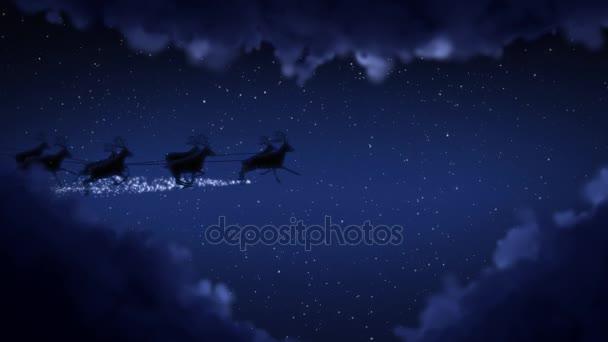 Modré vánoční noc a mraky, Santa Claus lest a sobů silueta letící zobrazeno veselé vánoční poselství s textem prostor umístit logotyp nebo kopírovat. Animovaný současné pozdrav pohlednice 4k videa