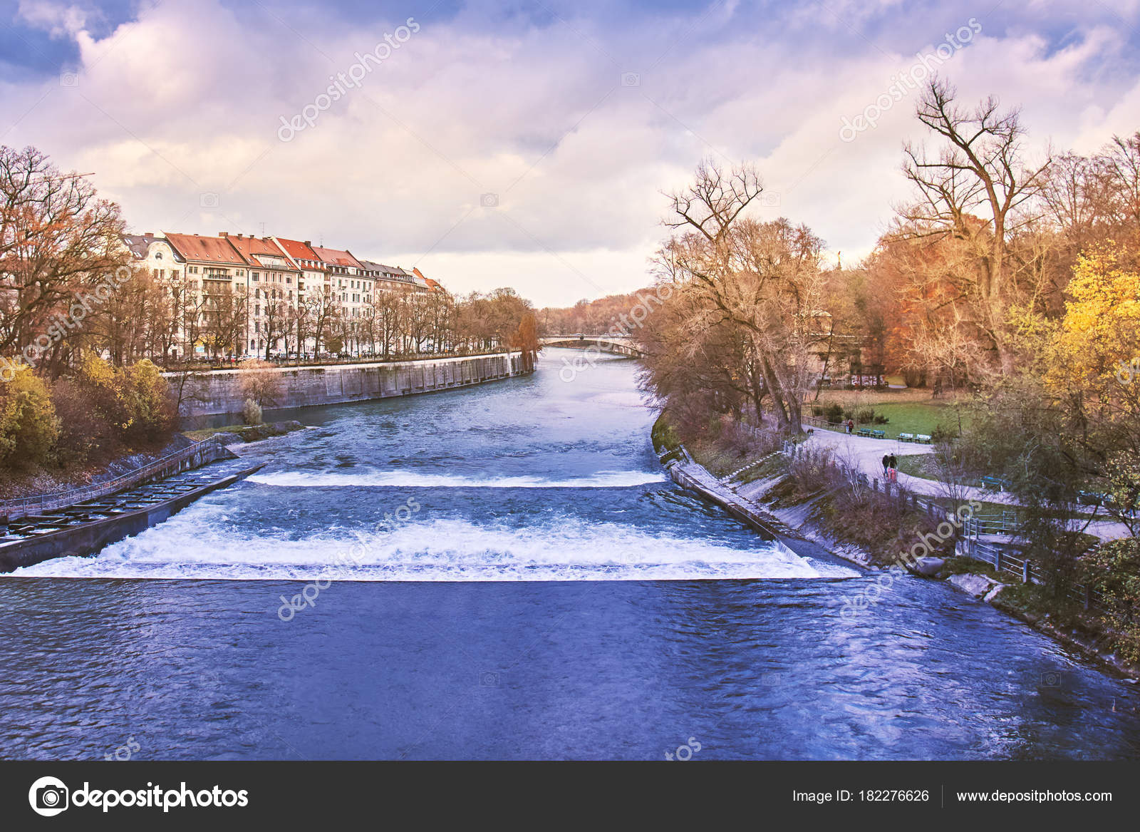 https://st3.depositphotos.com/7040152/18227/i/1600/depositphotos_182276626-stock-photo-view-isar-river-munich-germany.jpg