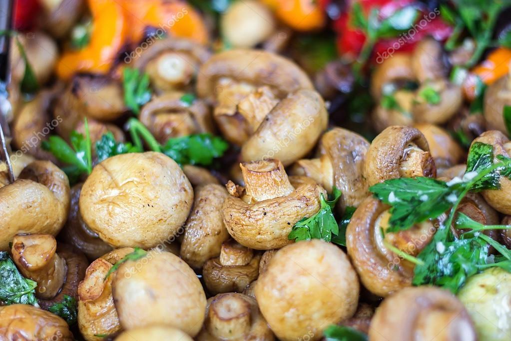 маринованные грибы поджаренная колбаса