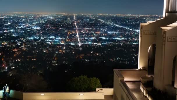 Los Angeles Skyline z Griffith Observatory v Kalifornii USA Tilt Up