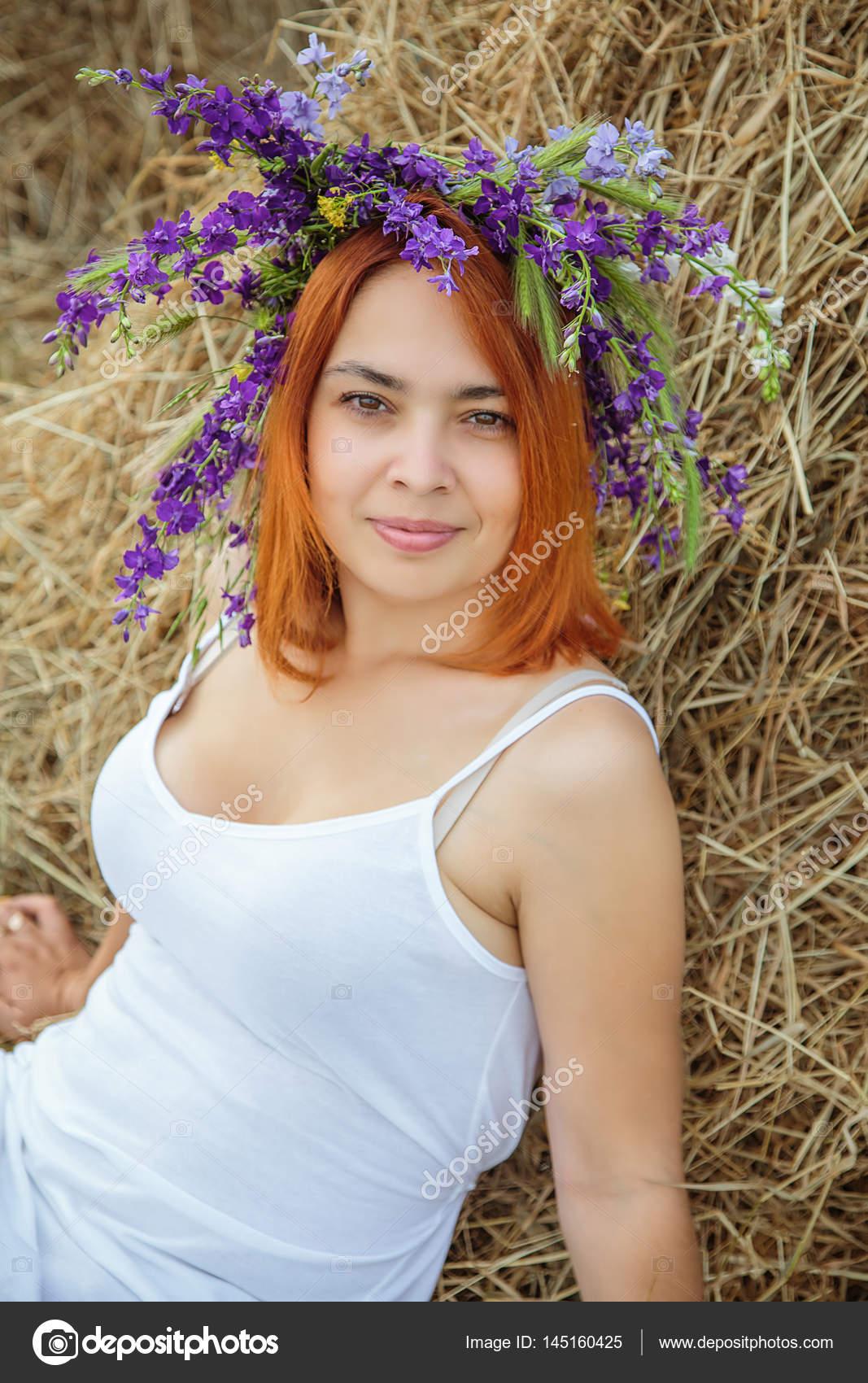 Фото красивых блондинок в деревне 14