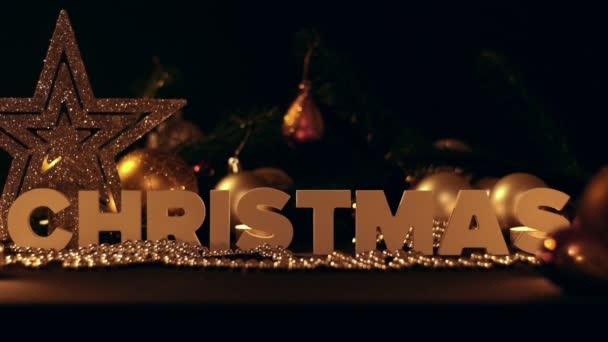 Složení Vánoce a vánoční dekorace, věnec a míč na nový rok strom
