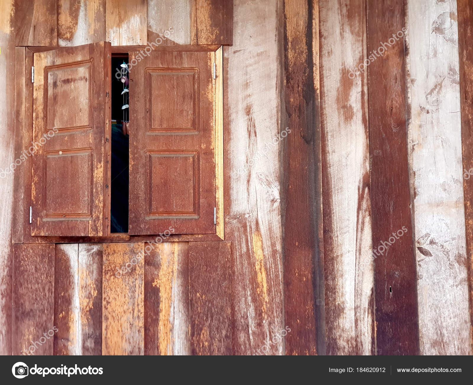 Alte Holzfenster Holz Streifen Wand Stockfoto C T Kayu Hotmail Com
