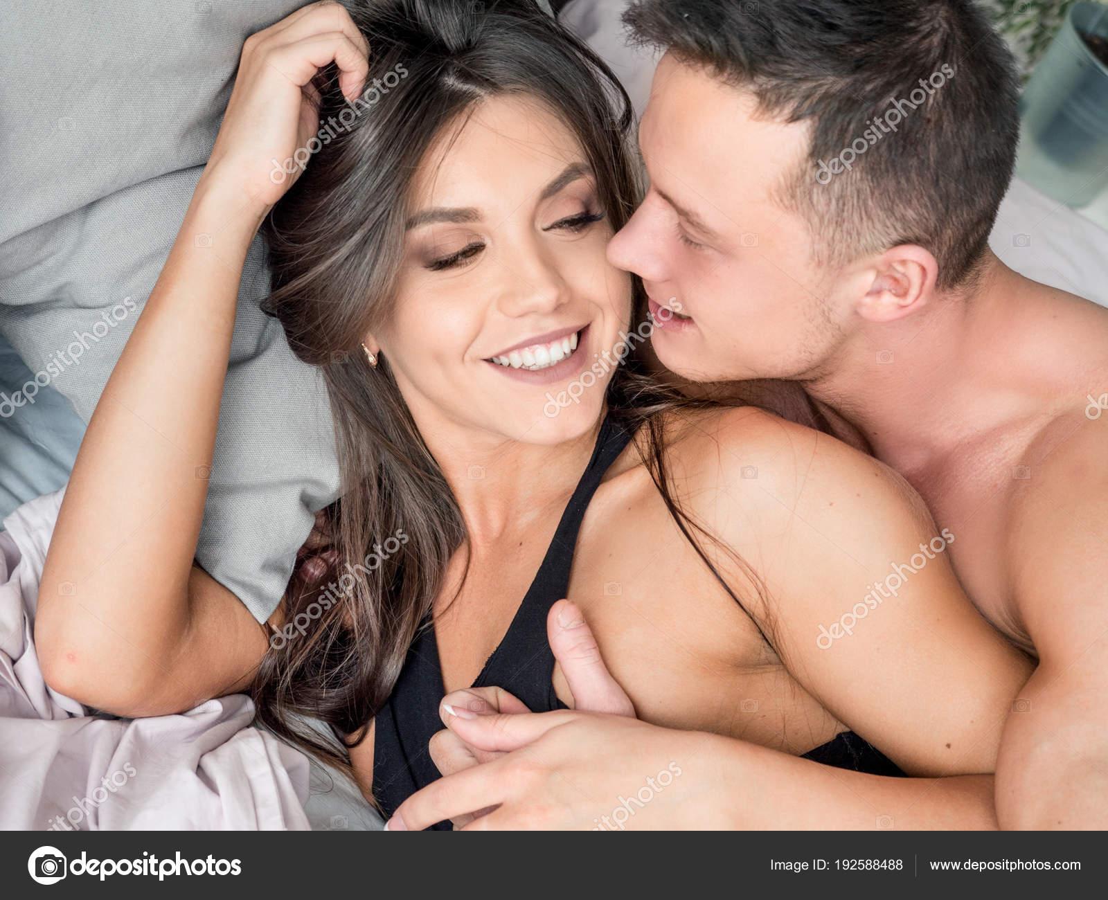 Игры секс лежа целоваться #4