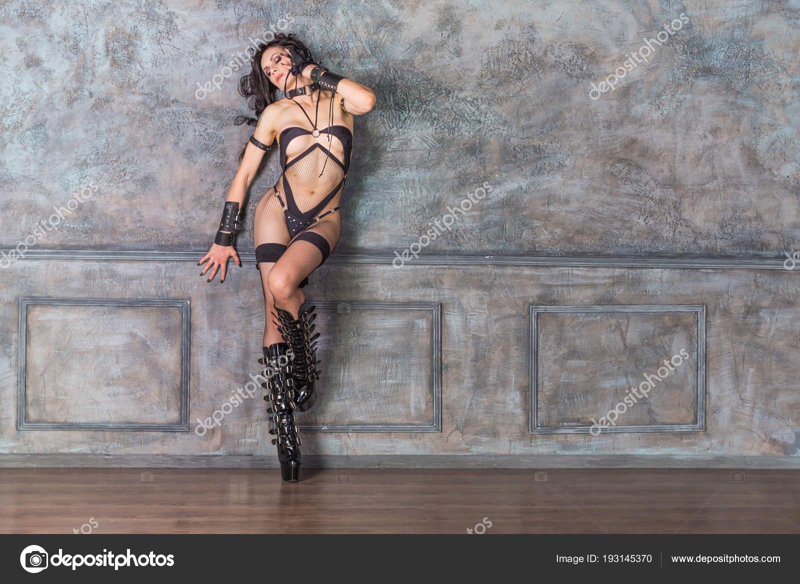 Стерн порно, картинки красивых ног бдсм