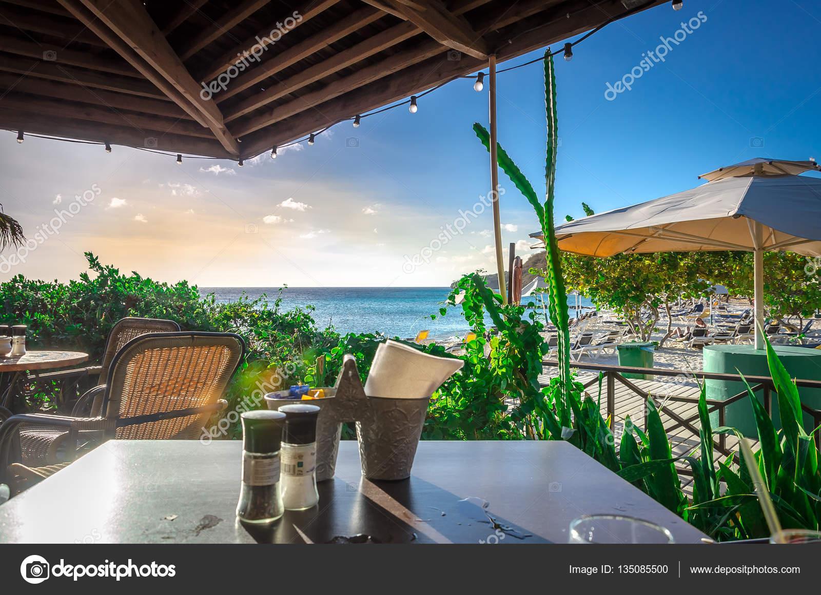 Curacao Porto Mari playa puesta del sol, por la tarde — Foto