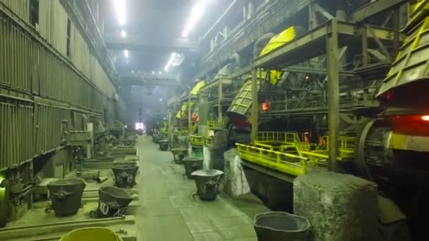 Tavící zařízení. Pohled na továrnu těžkého průmyslu