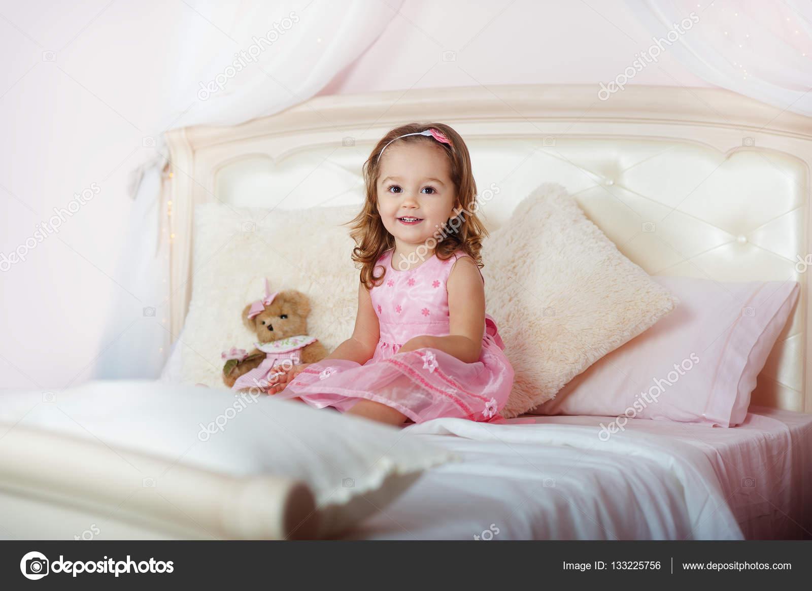 Скачать фото самая красивая миниатюрная девушка фото 151-677