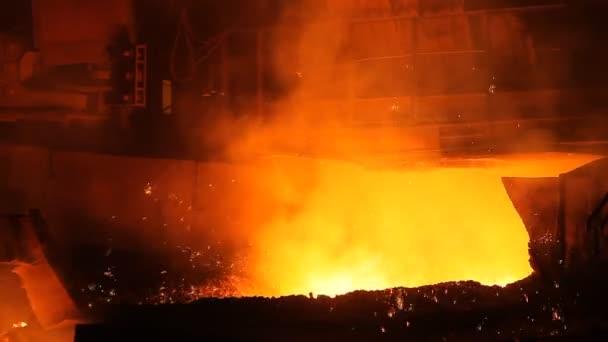 tekutý kov tavení kovu, roztavený kov