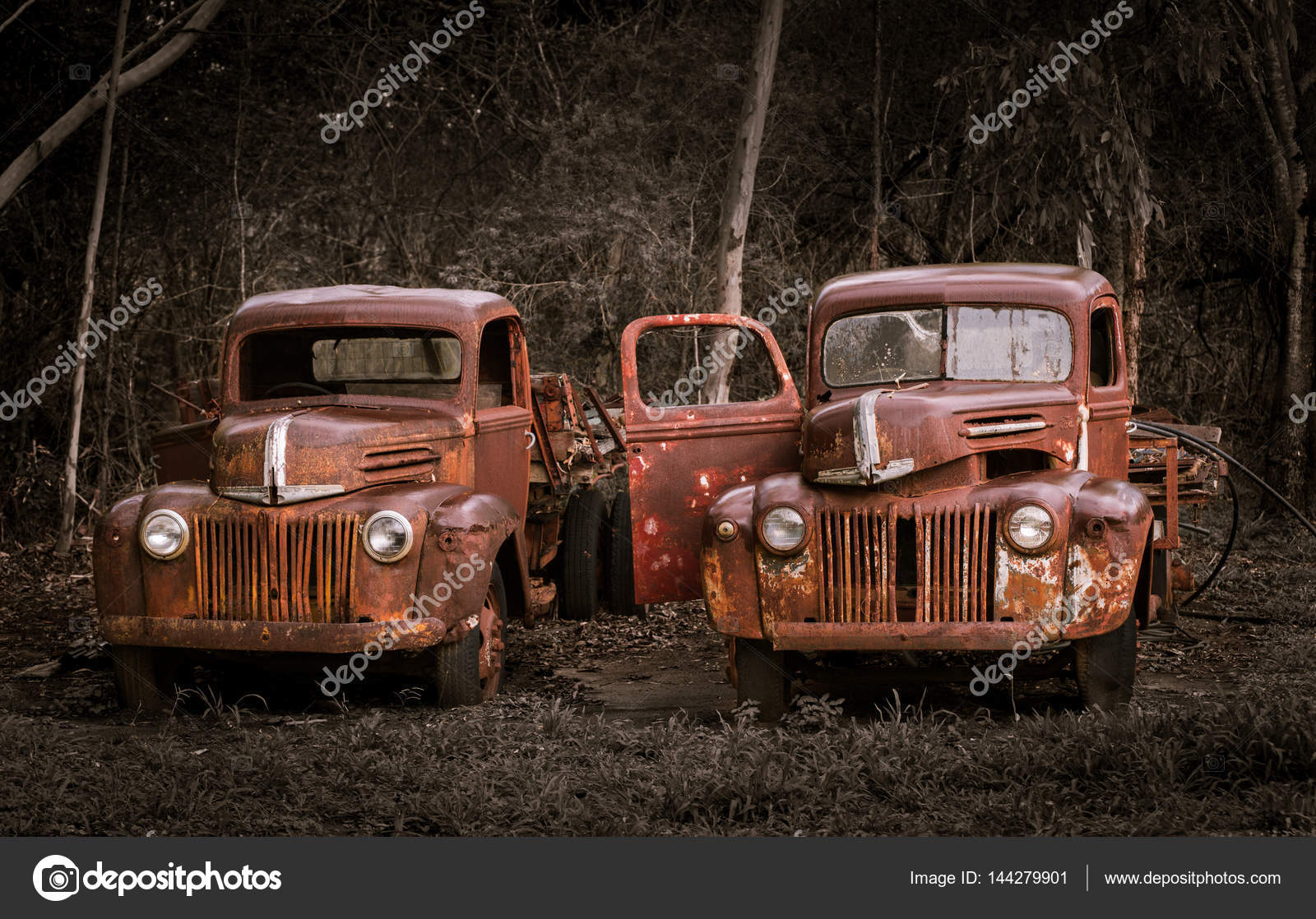 Two rusty old Ford trucks – Stock Editorial Photo © sstoll.aapt.net ...