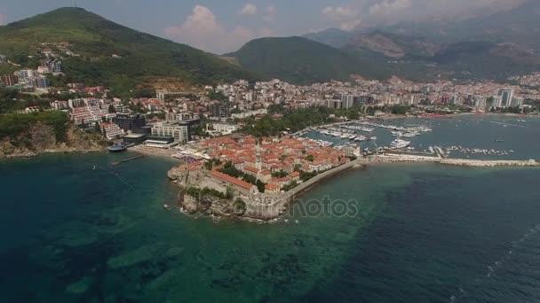 Budva montenegro oude stad centrum fort adriatische zee boot