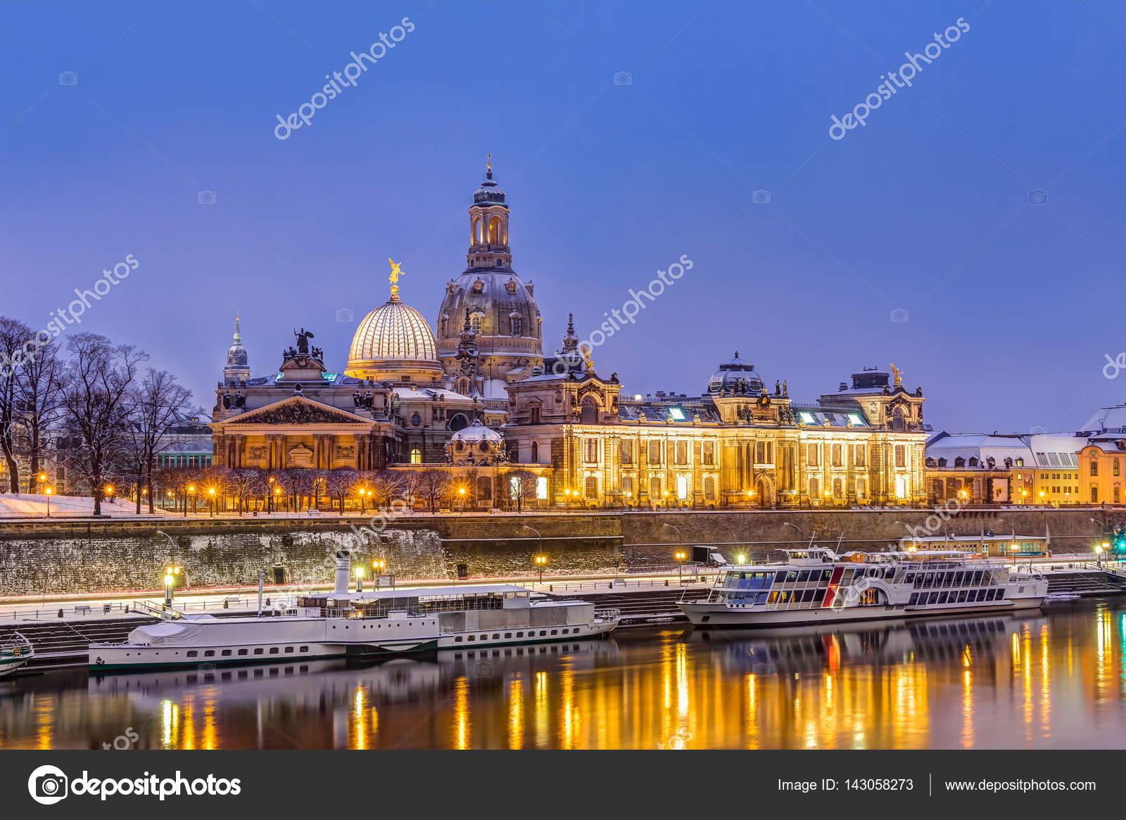 Astounding Skyline Dresden Galerie Von In Winter — Stock Photo