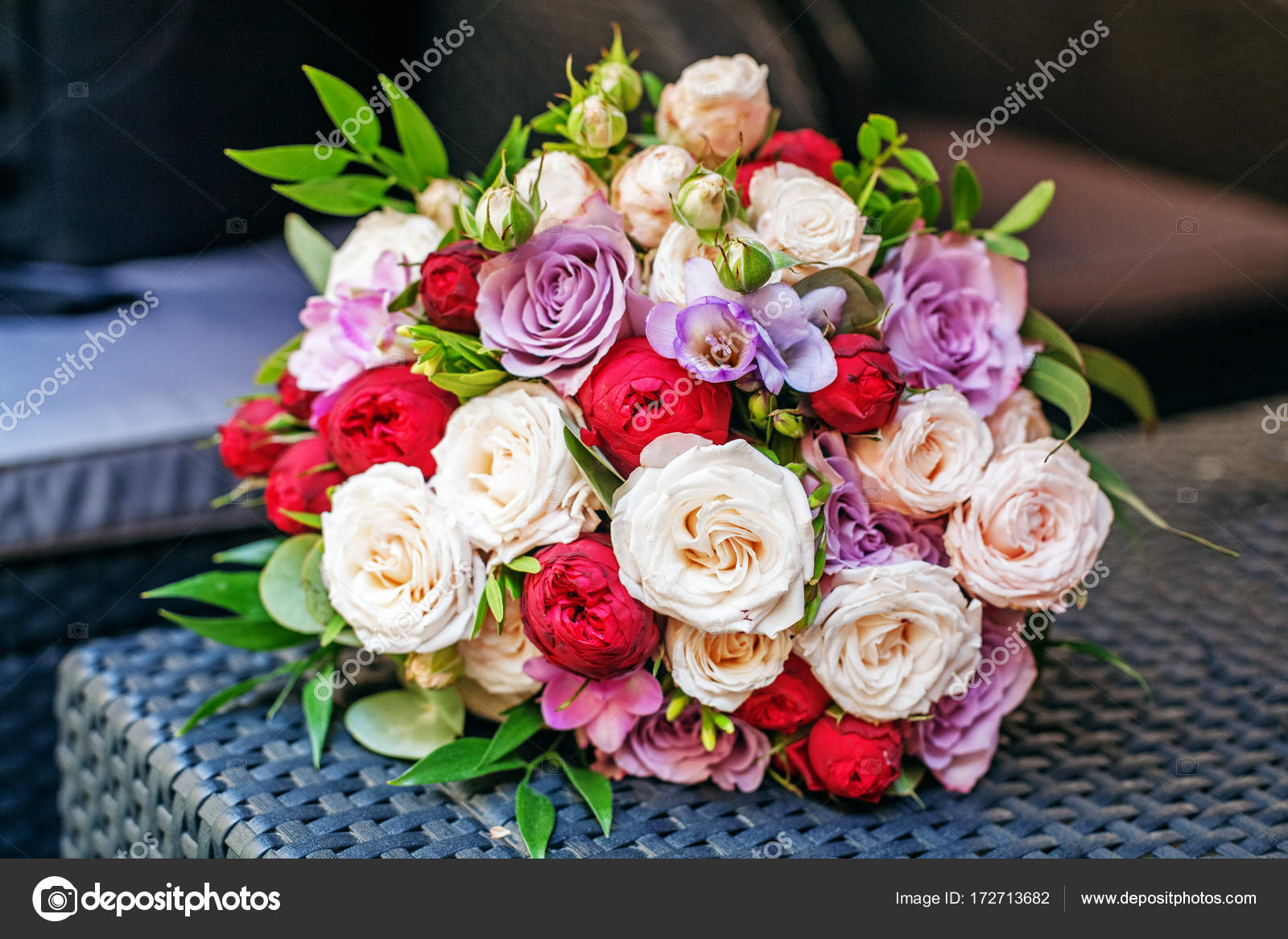 Beautiful flower bouquet romantic meeting the concept of marri beautiful flower bouquet romantic meeting the concept of marri stock photo izmirmasajfo Gallery