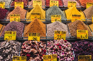 spices on a market  Grand Bazaar i