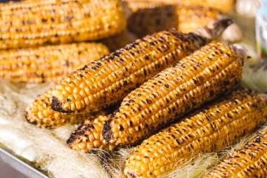 Hot and flavorful grilled corns