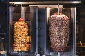 Grilování masa na turecký Döner kebab