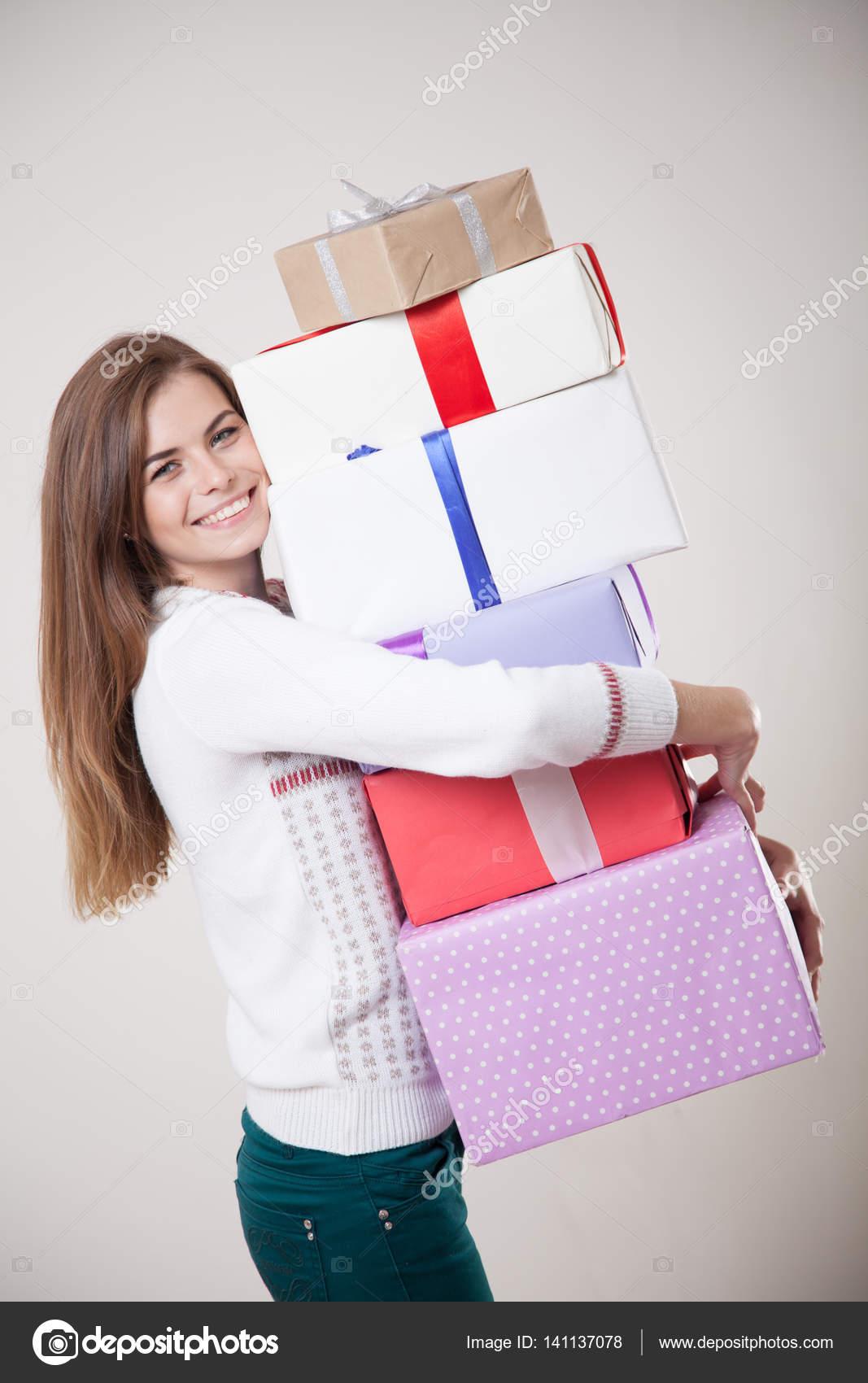 Много подарков для девушек 42